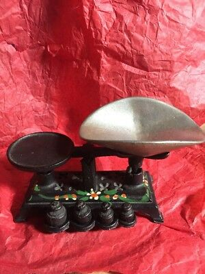 Vintage Cast Iron Small Balance Scale With 4 Weights