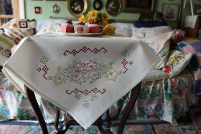"""Vintage Tablecloth to Embroider Printed Floral Transfers 32"""" x 30"""""""