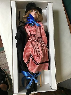 """A Cottage Of Colin Doll Linda #14/20 18"""" Doll"""