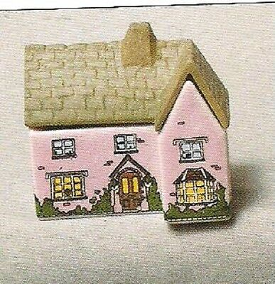 Wade .whimsey-On-Why The Vicarage Set 3, 1982,