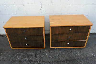 Two-Tone MCM Pair of Large Nightstands End / Side Tables by Thomasville 8204