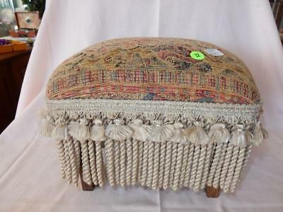 Nice vintage small foot stool, cond VG Lot 12