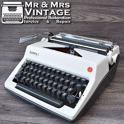 vintage Olympia SM8 Typewriter Special Font BOLD Working Black Red Ribbon rare