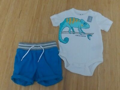 Baby GAP Boys Bodysuit and Shorts Set Size 3-6 months NEW!