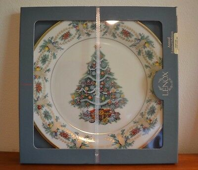 Lenox 1998 Christmas Trees Around the World America Limited Edition Plate IN BOX