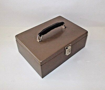 MMF Metal Locking Latch Cash Box-7 Compartment Tray-Tan-GOOD CONDITION