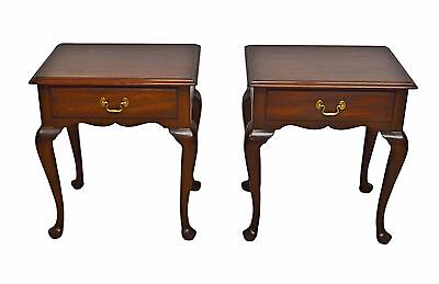 Pair of Henkel Harris Solid Mahogany Queen Anne Nightstands Bedside End Tables