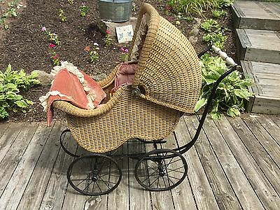 BLOCH Wicker Victorian Baby Pram / Carriage / Stroller Beautiful Antique