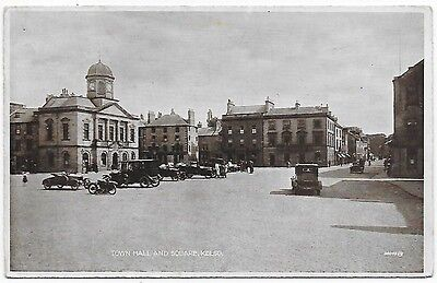 Vintage Postcard.  Town Hall And Square, KELSO. Unused.  Ref:77292