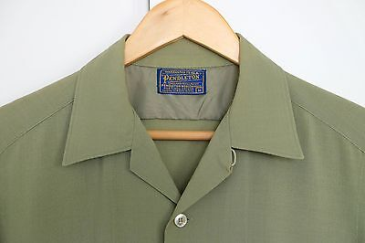 Rare Vintage Pendleton loop collar solid color short sleeve shirt  M