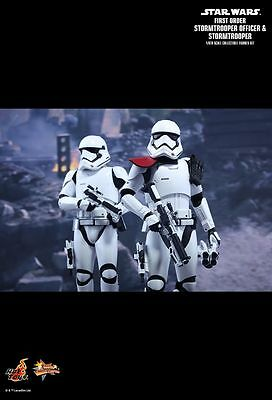 STAR WARS: FO Officer & Stormtrooper 1/6th Scale Action Figure MMS335 (Hot Toys)