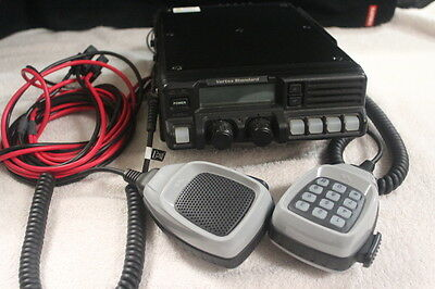 VX-6000 Mobile commercial Radio UHF exellent condition 430-490mhz used for demo.