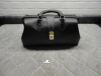 Vintage Black Schell leather doctors bag # 71424 with keys great condition