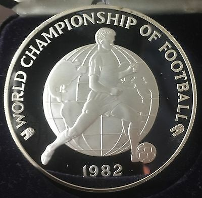 1982 Jamaica $25 Proof Silver Coin - World Championship Of Football