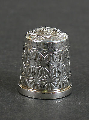 Solid silver thimble Medium. James Swann and Son Birmingham 1985