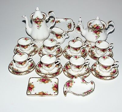 Royal Albert Old Country Roses, Tea And Coffee Service, Extras.