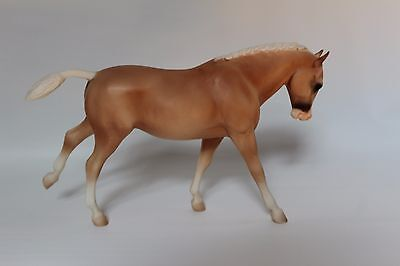 Breyer Traditional Party Shoes Horse
