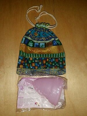 SMALL MOON DIVA CUP B POD Menstrual Cup WITH CUTE BLUE GOLDPOUCH FREE AUST POST