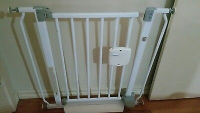 The First Years Hands Free Baby Animal Safety Gate EUC