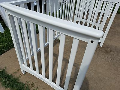 ChildCraft London EuroStyle Crib in Matte White(Sealy Mattress Included)