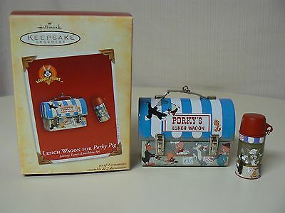 Hallmark Ornament 2004 LUNCH WAGON FOR PORKY PIG Lunchbox Set NEW Looney Tunes
