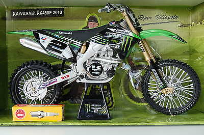 KAWASAKI  KX450F  HUGE  1/6th  MODEL  MOTORCYCLE