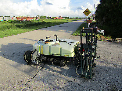 John Deere HD 200 - 200 Gal Turf Sprayer 16' Electric Booms Self Contained.