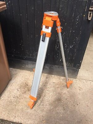 Surveyors Tripod Laser Level Dumpy Theodolite