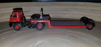 Base 1:76 Scale Plastic/metal Trucks - Red Leyland Truck With Flat Bed Trailer