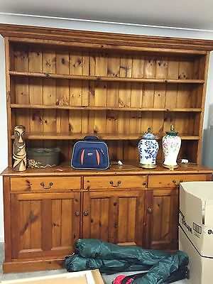 Side Board With Hutch