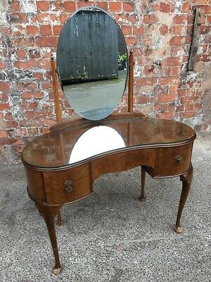 Kidney-Shaped Mid-Century Queen Anne's Style Small Walnut Dressing Table