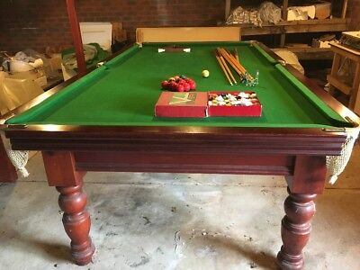9ft Billiard Table With Cues And Balls