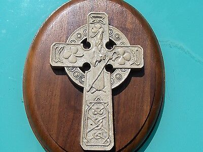 Collectible Wall Decor - Celtic Cross on Wood Plaque - Nice!!