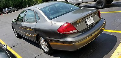2004 Ford Taurus  Need a dependable car? Here it is...