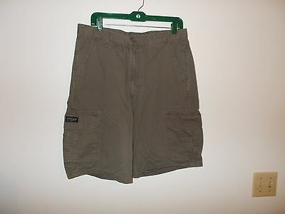 Mens Wrangler Size 34 Olive Drab Green Cargo Shorts