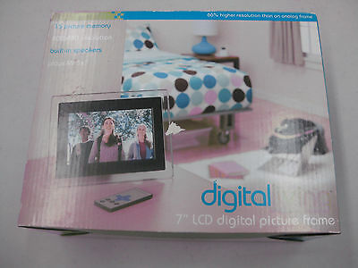 "Digital Living 7"" LCD Digital Picture Frame New In Box"