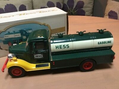Vintage 1982 Hess Truck/Lights work,Original box/has 2 inserts  Red Switch L@@K