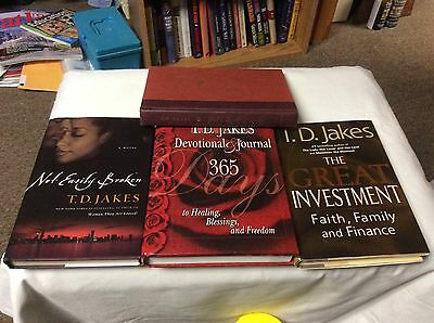 **SIGNED** T.D. Jakes (Lot of 3 ) Books ** Not Easily Broken ** FREE SHIPPING **