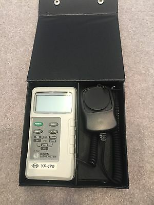YFE YF-170 Digital Light Meter