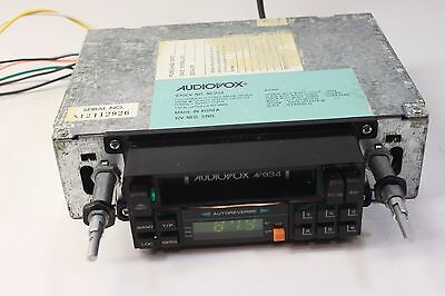 Audiovox AV-934, car-AM/FM stereo radio with cassette player,working. (ref A 103