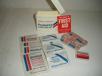 VGT 1971 Johnson & Johnson Pocket First Aid Kit Advertising Complete