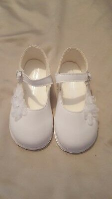 Toddler Girls White Patent Flower Shoes Mary Jane size 6