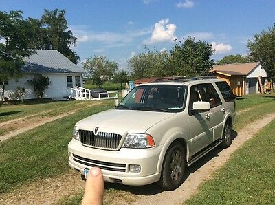 2005 Lincoln Navigator  lightly used second owner, very dependable, all features work.