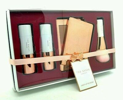 Ted Baker Light Up the Room BRONZING BRUSH SET