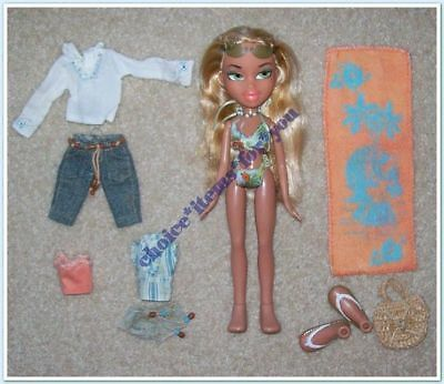 BRATZ MGA DOLL CLOE SUN-KISSED SUMMER 2004 ORIGINAL CLOTHING and ACCESSORIES
