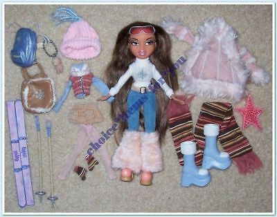 BRATZ MGA DOLL YASMIN WINTERTIME WONDERLAND 2003 ORIGINAL CLOTHES and ACCESSORES