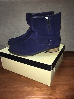 RESTRICTED California BLUE SUEDE BELTING BUCKLE ANKLE BOOTS SIZE 9M