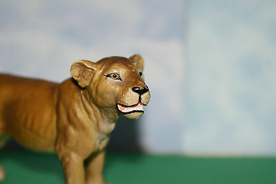 Young Female Lion by Schleich 2000 Retired