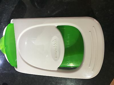 Munchkin fresh food chopper & steamer 2-in-1 chops and steams food quickly