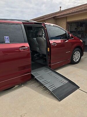 2011 Toyota Sienna  2011 Toyota Sienna XLE (Ideal for paraplegic driver but has normal brake and gas